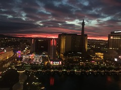 Las Vegas - sunrise (Elisabeth.klio) Tags: nofilter redsky nevada desert view lights city unitedstates america sunrise sun sunporn lasvegas