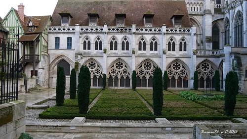 Le jardin du Cloitre , Cathedrale de Rouen