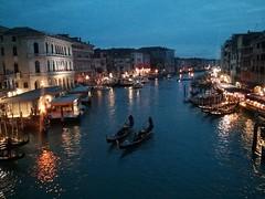 Ponte de Rialto Ponte Rialto Venice, Italy Venezia Italia Gondola - Traditional Boat Reflection Illuminated Canal Night Gondolier at Ponte di Rialto (SuBurning) Tags: ponterialto venice italy veneziaitalia gondolatraditionalboat reflection illuminated canal night gondolier