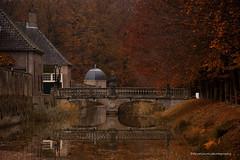 autumn castle (dewollewei) Tags: eerde eerderachterbroek landgoed overijssel landscape castle ommen kasteel autumn fall herfst brigde