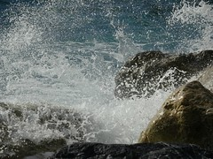 ~~~Splash~~~ (France-♥) Tags: 2760 splash eau sea wave vague fun italy vernazza cinqueterre beach plage liguria ligurie nature water