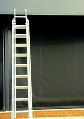 Escalera en la acera (camus agp) Tags: espaa gris malaga escaleras escaparate aceras peldaos
