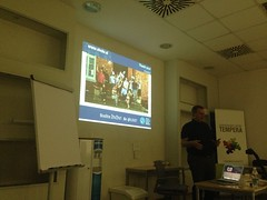 """Zaključne besede in prezentacija dr. Vite Poštuvan v ozadju • <a style=""""font-size:0.8em;"""" href=""""http://www.flickr.com/photos/102235479@N03/21084461758/"""" target=""""_blank"""">View on Flickr</a>"""