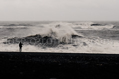 _DSC2263 (alquimero) Tags: naturaleza black beach nature iceland islandia photographer negro wave oleaje playa vik swell fotgrafo ola blackbeach playanegra reynisdrangur