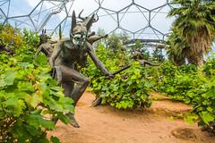 Eden Project, St. Austell, England, UK ([ PsycBob ]) Tags: england sculpture art st project garden botanical james cornwall wine kunst skulptur bond eden garten reben wein austell bodelva botanischer skulpturen