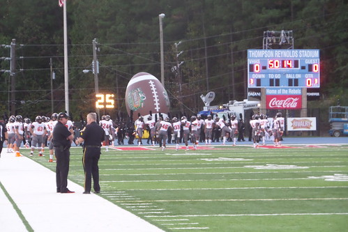"Vestavia vs. Hoover • <a style=""font-size:0.8em;"" href=""http://www.flickr.com/photos/134567481@N04/21615909374/"" target=""_blank"">View on Flickr</a>"