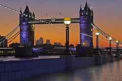 La promessa di un nuovo giorno / The promise of a new day (Tower Bridge, London, United Kingdom) (AndreaPucci) Tags: uk london thames towerbridge sunrise riverside canonef24105mmf4lis canoneos60 saariysqualitypictures andreapucci