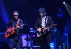 Jackson Browne 2015 (MalaneyStuff) Tags: november wisconsin concert riverside guitar sony milwaukee pointandshoot jacksonbrowne jacksonbrownenov2015