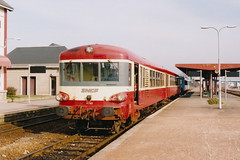 20050316 002 Alenon. X 4750 Class DMU X4763 Idles Between Duties (15038) Tags: france diesel trains railways sncf dmu alenon x4750 x4763