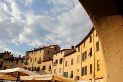 Italy - Lucca, piazza anfiteatro (dario lorenzetti) Tags: italy lucca piazza anfiteatro
