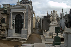 Tightly packed Tombs in recoleta (VinayakH) Tags: tombs tomb recoletacemetery recoleta larecoletacemetery cemetery buenosaires graves argentina latinamerica southamerica mausoleum artnouveau artdeco neogothic baroque architecture