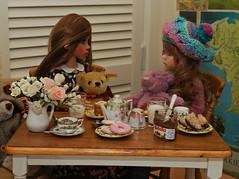 Teddy Bear's tea party (Little little mouse) Tags: tanlaryssa kayewiggs tansy bjd dollfie talyssa notmydoll homemadedress teddybear teddybearsteaparty nutella steiffteddybear lesleystalyssa