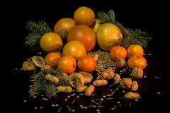 Varagnolo Mauro-4 (varagnolomauro) Tags: frutta fruit arance zucca castagne natura morta ananas kiwi noir melone fragole lemon limone fuji fujifilm melograno