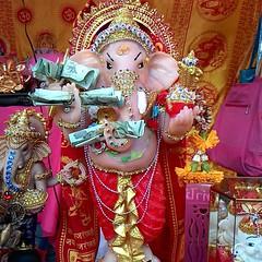 ร้านกังกิเทน คเณศ (Kangi-Ten Ganesha) เปิดให้บูชาองค์มหาเทพ เครื่องสักการะบูชา และรับแต่งองค์มหาเทพ  @ ตลาดรถไฟศรีนครินทร์ หลังซีคอน  เปิดวันพฤหัสฯ - วันอาทิตย์  เวลา 17:00 - 24:00 น. วันพฤหัสฯ ล๊อค A14 โซนตลาดนัด วันศุกร์ - วันอาทิตย์ ล๊อค K7 โซนตลาดนัด