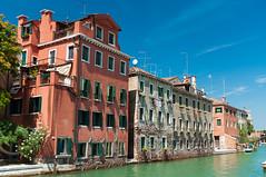 Venetian Houses (Sebastian Niedlich (Grabthar)) Tags: italien venice italy nikon italia sigma venezia d90 grabthar sebastianniedlich nikond90 sigma182003563dcos