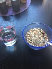 Frukost 19/8 (Atomeyes) Tags: fil mat vatten citron frukost msli