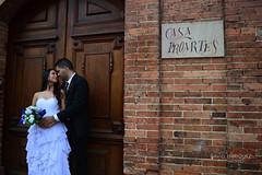 Jhon + Natalia (juandavid.enriquez) Tags: door wood brick ladrillo love atardecer puerta madera photoshoot pareja boda nostalgia romantic cople