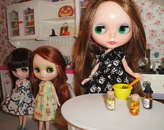 October 11, 2015, Blythe a Day - What's cookin'?