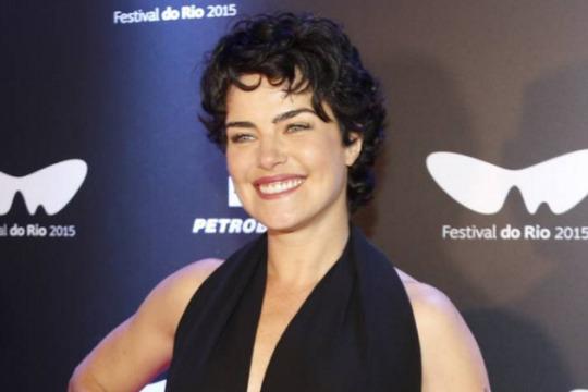 Ana Paula Arósio fez cirurgias plásticas antes do lançamento de seu filme