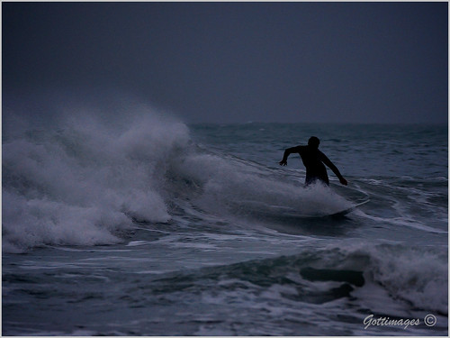 CHRISTMAS SURFER - ST. AGNES by Philip Gott