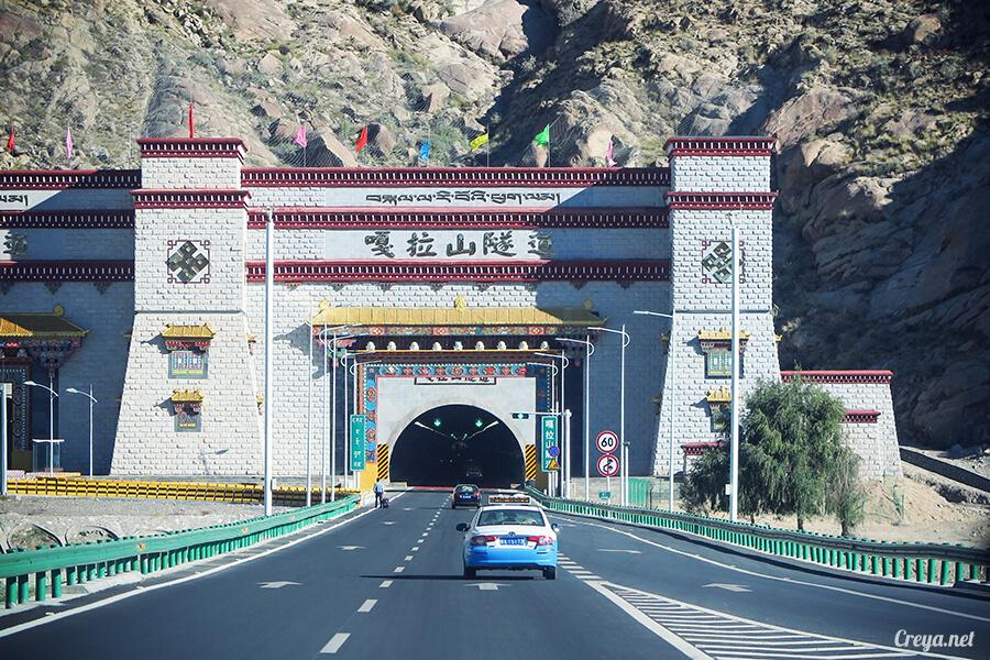 2015.11.15 ▐ Tibet 西藏踢北去 ▐ 終於踏上拉薩,吸著傳說中的稀薄氧氣與高山症對決 11.jpg