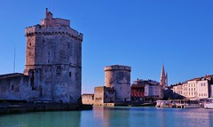 La Rochelle, le vieux port (thierry llansades) Tags: port 17 larochelle charente vieuxport poitou atlantique saintonge charentesmaritime charentes charentemaritime poitoucharentes aunis