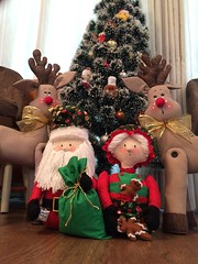 Decoração de Natal (Pina & Ju) Tags: christmas tree natal navidad handmade artesanato gingerbread ornaments feltro patchwork papainoel árvore decoração rena duende tecido enfeite elfo mamãenoel bolachinha
