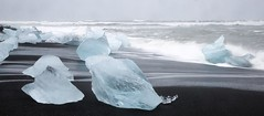 Jokulsarlon  (JulyRiver) Tags: blue lake ice nature water iceland lagoon glacier jokulsarlon floatingice