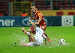 Emre olak (l3o_) Tags: galatasaray sar krmz red yellow football futbol cfr cluj champions league ampiyonlar ligi emre olak