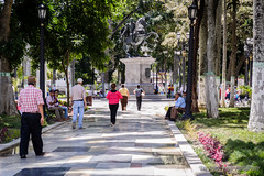 Plaza Bolivar (Lex Arias / LeoAr Photography) Tags: 2016 barquisimeto calle callejera everybodystreet fotografacallejera gente iglexariasphotos leoarphotography lexarias nikon nikond3100 street streetphotography venezuela