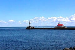 Duluth, Minnesota, Lighthouse, Ship Channel, Lake Superior (photolibrarian) Tags: duluthminnesota lighthouse shipchannel lakesuperior