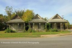 Three perfect little shotgun houses (Black.Doll) Tags: mounds abandoned illinois pulaskicounty haintblue shotgun