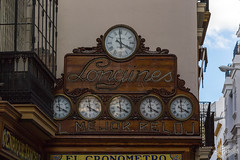 Marcando el Tiempo (PRiC) Tags: reloj tiempo sevilla sierpes esfera clock andalucia tamron 18200 vc