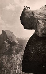 #A man and his dog on the Overhanging Rock in Yosemite National Park, 1924. [990 x 1557] #history #retro #vintage #dh #HistoryPorn http://ift.tt/2h0szOT (Histolines) Tags: histolines history timeline retro vinatage a man his dog overhanging rock yosemite national park 1924 990 x 1557 vintage dh historyporn httpifttt2h0szot