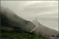 Faro del Cabo Silleiros, Bayona, Galicia España (Wilman Fuentes) Tags: faro nublado cloudy gris grey mar verde paisaje españa galicia bayona cabo silleiros niebla lluvia sky sun sol nubes cloud