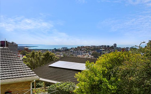 19 Hilltop Avenue, Wollongong NSW 2500