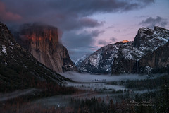 No Grander a Vista (Darvin Atkeson) Tags: california yosemite national park halfdome elcapitan bridalveil forest sierra nevada mountains clouds rest valley canyon glacier darv darvin lynneal atkeson yosemitelandscapescom sunset landscape tunnel view fog mist winter snow