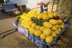 Chefchaouen Fav fruit (T Ξ Ξ J Ξ) Tags: morocco chefchaouen sefasawan d750 nikkor teeje nikon2470mmf28 blue city fruit market