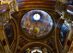 let there be light (The world is my canvas) Tags: church light lettherebelight jorgearias nikon d800 d800e nikkor2470mmf28 painting art italianchurches paintedceilings altar lightshinningthrough column chiesa god pray prayer jesus houseofgod