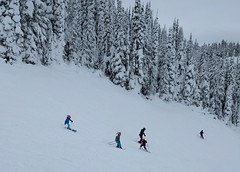 Ski kids (Ruth and Dave) Tags: catrin anja fiona children girls skiing skiers whistler whistlerblackcomb whistlermountain skiresort