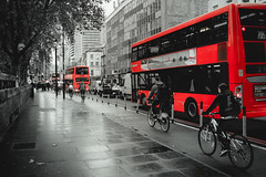 Red London (fgazioli) Tags: fuji fujifilm fujix100s x100s street streetphoto london londres europe eurotrip euro bestplacestogo red blackandwhite blackwhite people urban urbanart