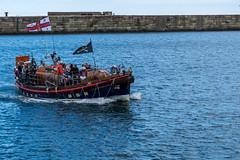 history (pamelaadam) Tags: thebiggestgroup fotolog digital sea boat people lurkation summer 2016 holiday2016 whitby engerlandshire august