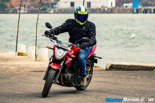 2015-Suzuki-Gixxer-Long-Term-Review-07