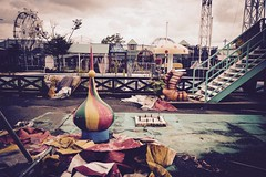 Fukui Wonder Land (Miki Nagata (bananagranola)) Tags: japan ruins amusementpark fukui haikyo