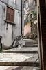 Ingresso al Borgo di Castelvetere sul Calore (LuxTDG) Tags: old italy scale window stairs river italia village fiume finestra napoli naples antico entrace avellino