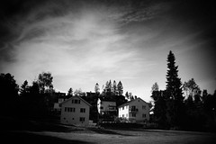 black summer (bendikjohan) Tags: park summer sky bw white black nature oslo norway architecture landscape blw exterior neopan scandinavia neopan1600 bnw