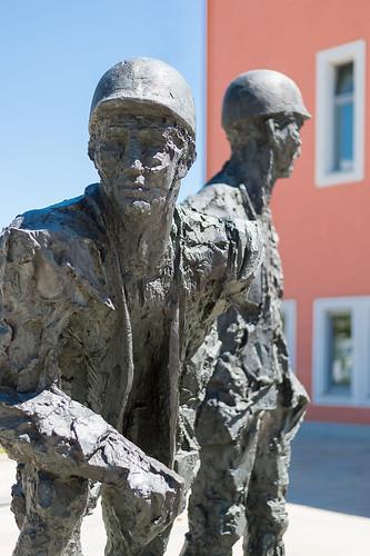 Skulptur auf der Marzahner Promenade Foto: Ole Bader