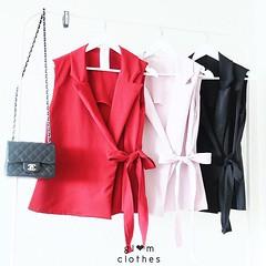 480฿#ส่งฟรีลงทะเบียนส่งemsเพิ่ม20บาทจ้า  blazer design   detail : เสื้อสูทที่สามารถใส่ได้ทั้งสองแบบ ไม่ว่าจะใส่เป็นเสื้อ หรือสูทคลุม ก็สวยมีสไตล์ รุ่นนี้งานตัดเอง เนื้อผ้าฮานาโกะ หนาไม่บาง และใส่ได้กับทุกชุดคะ จะใส่กับยีนส์ หรือ กางเกงผ้าก็สวยคะ  freesize