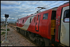 No 91122 11th Nov 2015 Peterborough (Ian Sharman 1963) Tags: nov london station electric train coast edinburgh cross no engine rail railway loco trains class east virgin kings locomotive passenger 11th railways peterborough 91 2015 ecml 91122