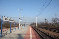 Wrocław Popowice train station 28.11.2015 (szogun000) Tags: railroad station canon platform tracks poland polska rail railway wrocław pkp e59 lowersilesia dolnośląskie dolnyśląsk wrocławpopowice canoneos550d canonefs18135mmf3556is d29271